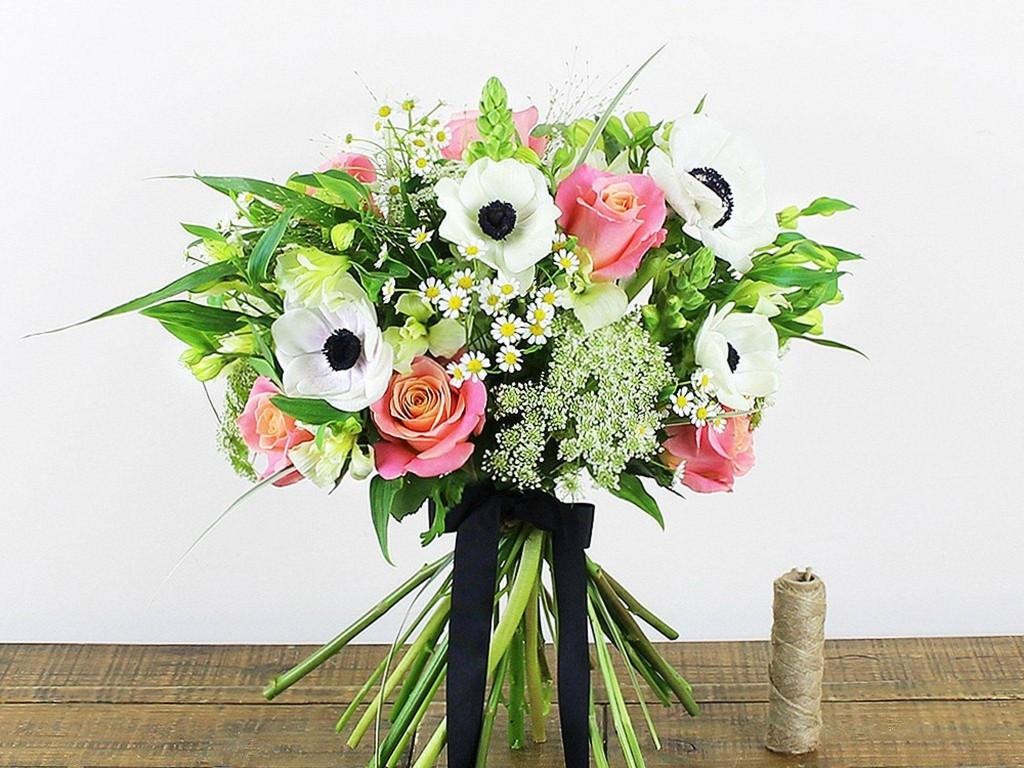Send Beautiful Flowers For Your Love Once In Chandigarh New Delhi
